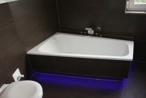 bath-464907_1920