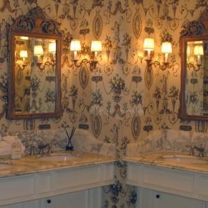 bathroom-720023_640