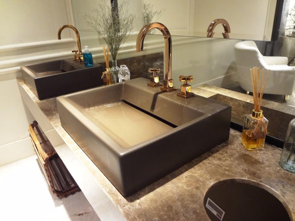 bathroom-809823_1920